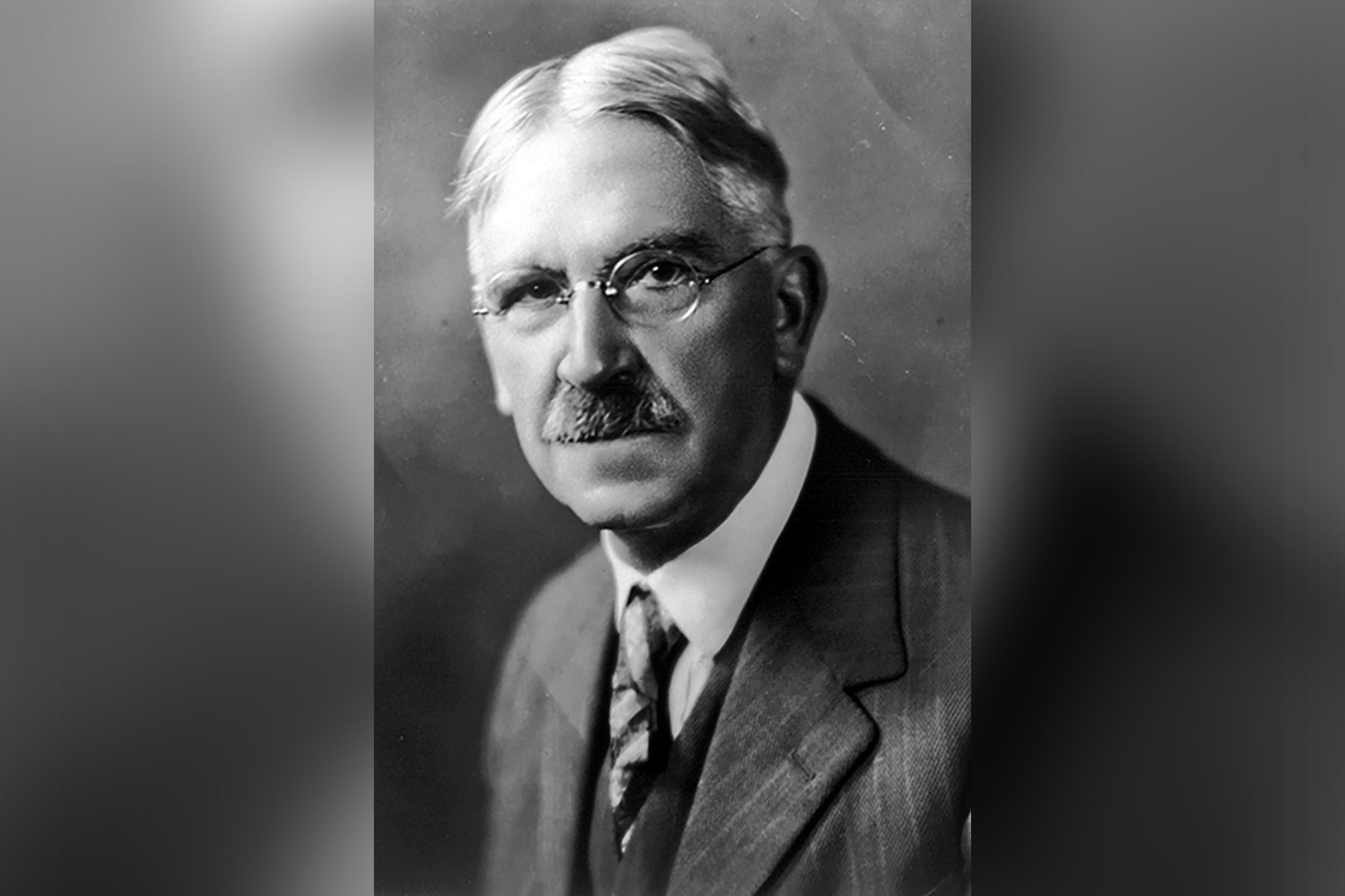 John Dewey war ein US-amerikanischer Philosoph und Pädagoge (* 20. Oktober 1859 in Burlington, Vermont; † 1. Juni 1952 in New York)
